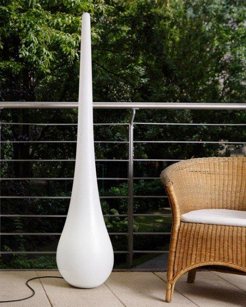 Die Stand up Lampe von Sitting Bull ist in einer Indoor- und Outdoorversion erhältlich.