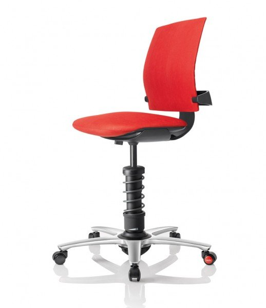 Aeris 3Dee mit Basis in Aluminium schwarz, poliertem Fußkreuz und Mikrofaserbezug Comfort by Gabriel in rot