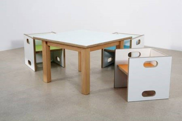 De Breuyn Kindertisch mit Multiplexplatte gibt es in 3 Größen!