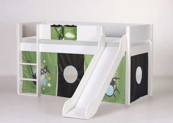 Manis-h Spielbett Loke mit Rutsche in weiß, Beispiel mit Spielvorhang Rock (Vorhang, Taschen und Matratze sind extra Zubehör)