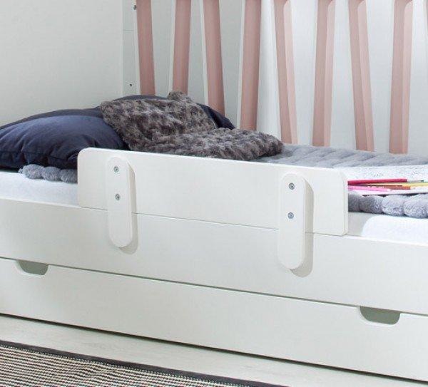 Moon Rausfallschutz am als Sofabett umgebautem Babybett Moon