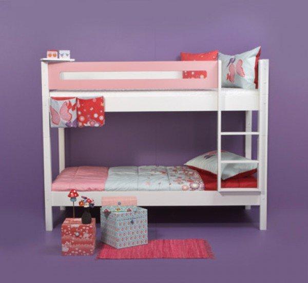 Etagenbett in weiß mit Designer-Absturzsicherung Rahmen in rosa und passenden Textilien
