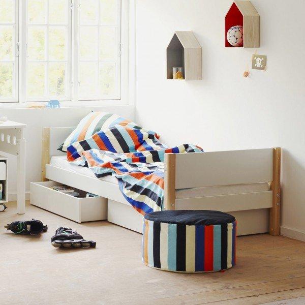 White Einzelbett mit Bettkästen in weiß, Pfosten in natur