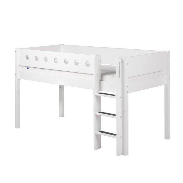 Flexa White halbhohes Bett mit gerader Leiter