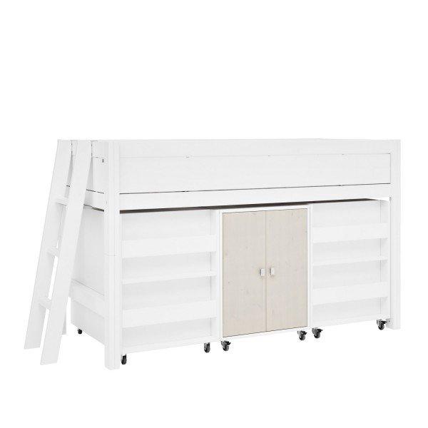 Lifetime halbhohes Bett mit Leiter an der Schmalseite. Die Schränke unter dem Bett gehören nicht zum Preisangebot!