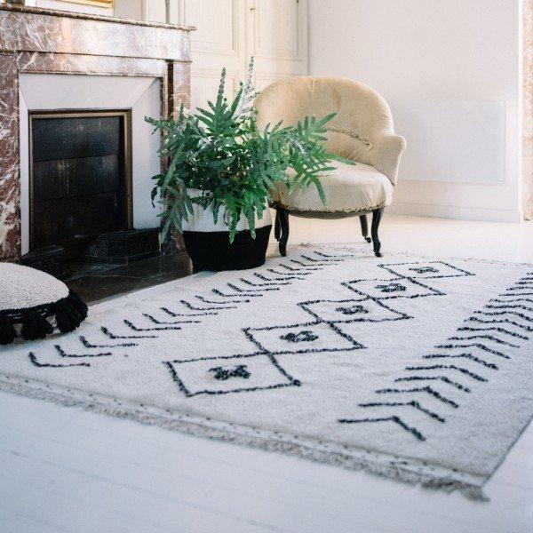 Traumhaft schöner weicher Teppich in Naturfarben.