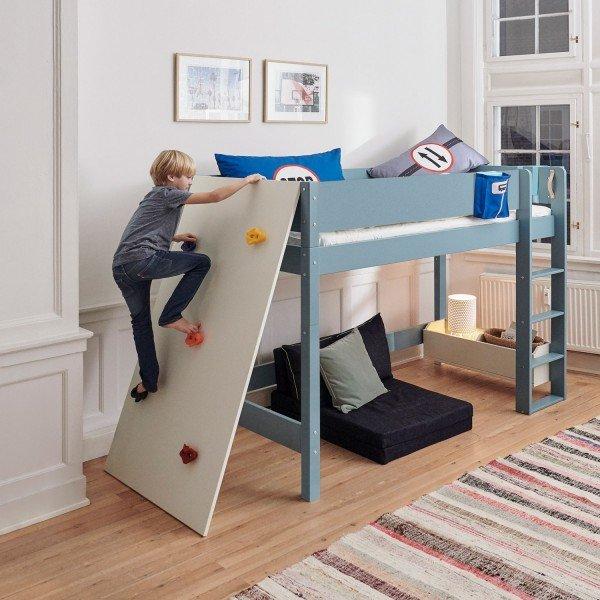 Kletterwand für mittelhohe Betn. Kann auch am Etagenbett montiert werden.