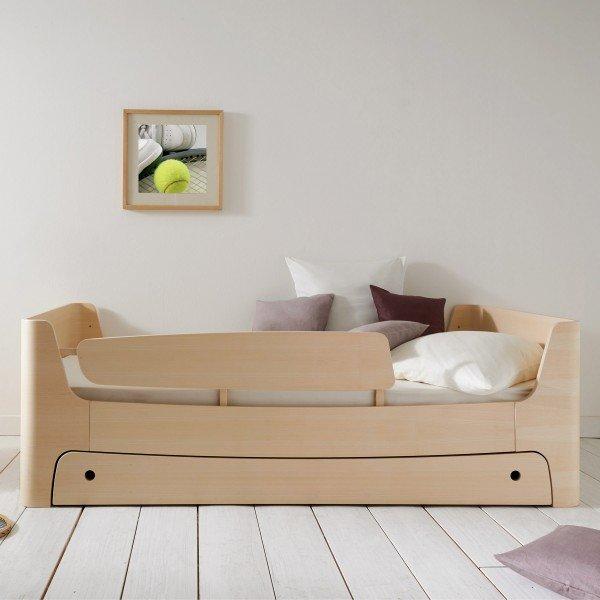 Komplettkombination aus Jugendbett, Bettkasten und Rausfallschutz links