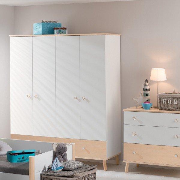 Paidi Ylvie viertüriger Kleiderschrank mit Schublade. Sie können die Schublade auch in Kreideweiß wählen.
