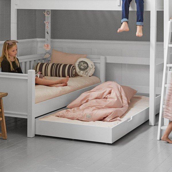 Mads Bettkasten, der auch als Ausziehliege genutzt werden kann.