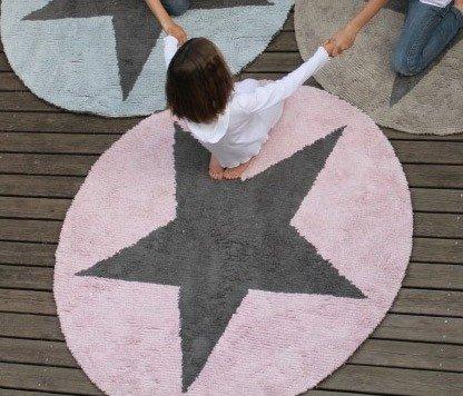 Runder Teppich rosa ABC von Lorena Canals im kinder räume