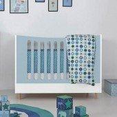 Kleines Kinderbett mit Buchefüßen (60 x 120 cm), Häupter geschlossen