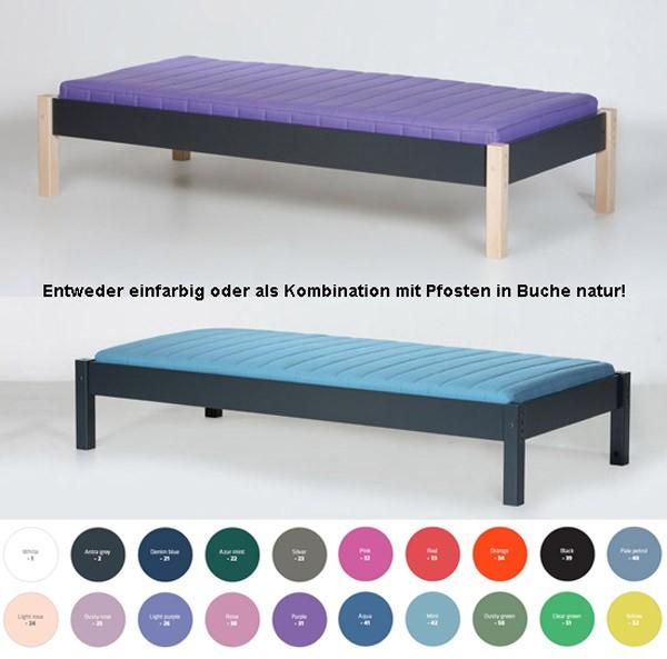 Das Bett ist in diesen Farben  bzw. in Kombination mit Pfosten in Buche natur erhältlich.